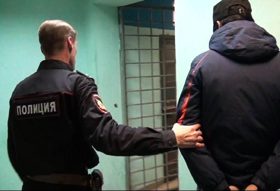 В Йошкар-Оле задержали вора, который орудовал газовым баллончиком