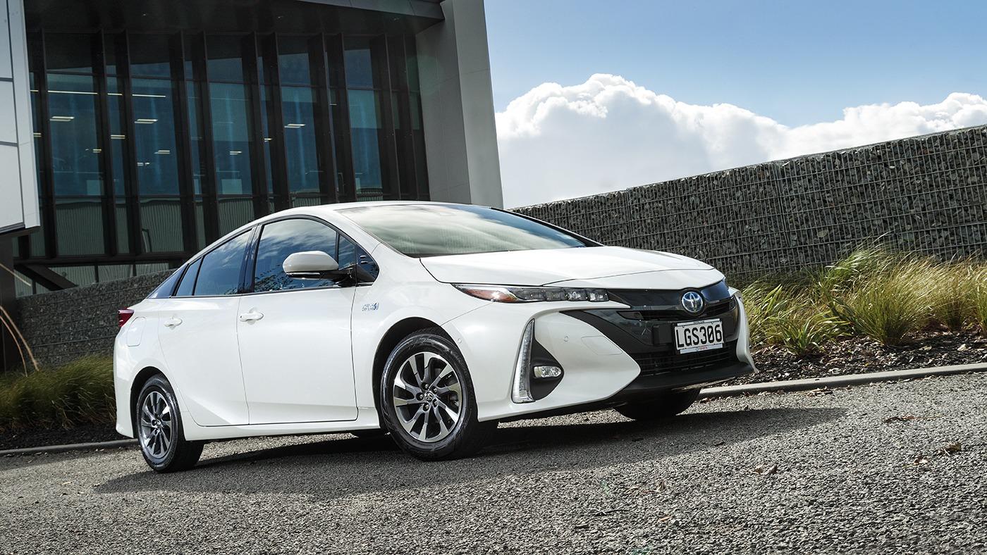 Toyota Prius чаще остальных автомобилей выбирают «раз и навсегда»