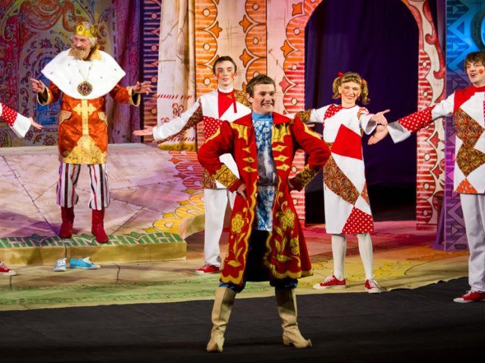 Театралы Марий Эл за год увидели 32 новых спектакля и концерта
