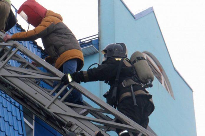 В Марий Эл пожарные спасли от огня квартиру