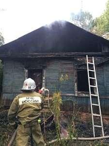 В Марий Эл сгорел заброшенный дом