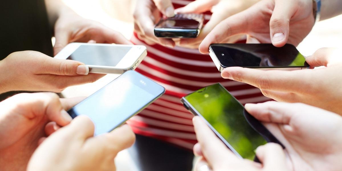 Роскачество представило рейтинг лучших противоударных смартфонов
