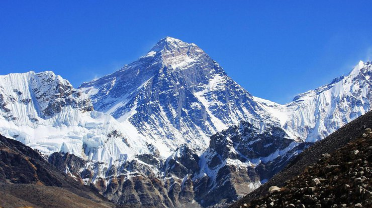 КНР завершила миссию по сбору семян на Эвересте