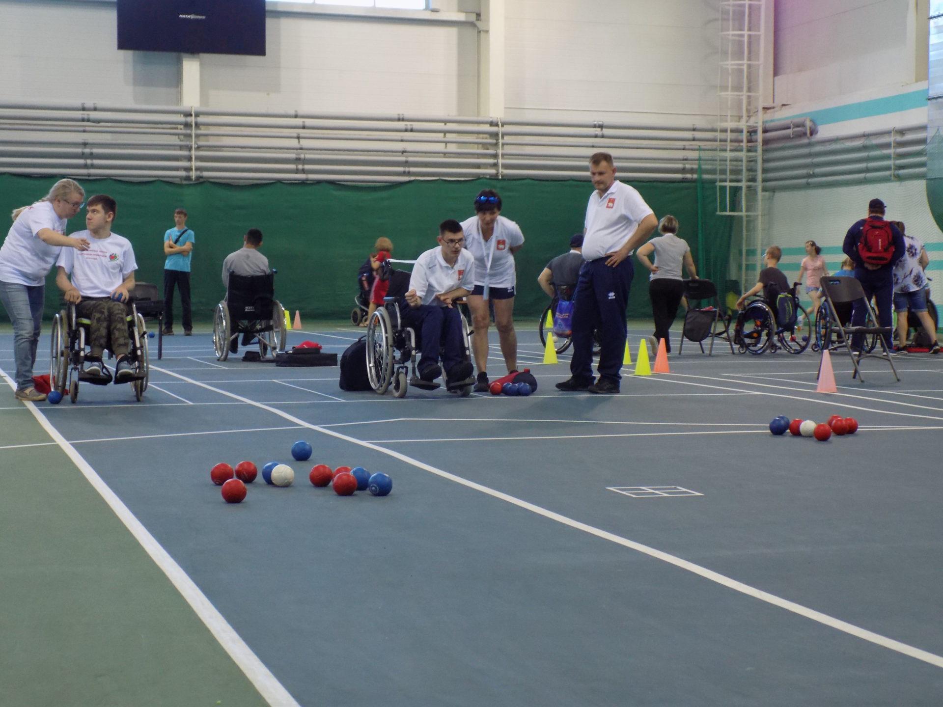 На Спартакиаде инвалидов продолжаются тренировки по бочча