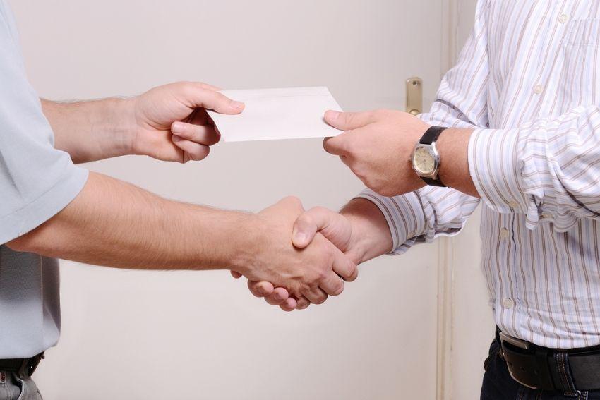 В Марий Эл идет борьба с зарплатами в «конвертах»