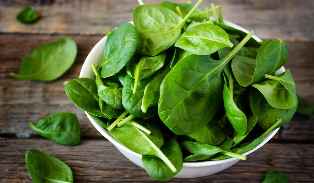 Добавление в рацион шпината снижает риск развития рака толстой кишки