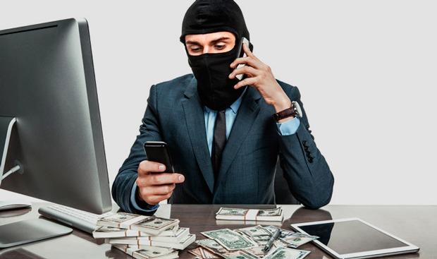В Марий Эл 2 местных жителя перевели мошенникам 700 тысяч рублей