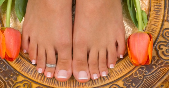 Коронавирус COVID-19 влияет на пальцы ног