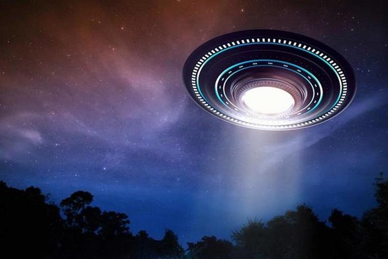 Астроном Гарварда заявил, что инопланетяне сигнализировали людям в 2017 году