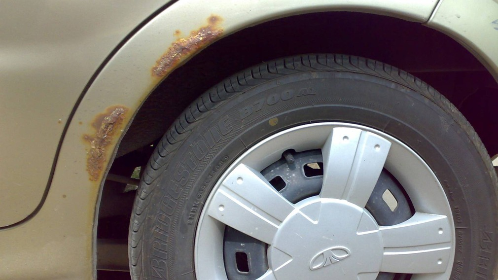Lada Granta и УАЗ «Патриот» назвали самыми быстро ржавеющими авто