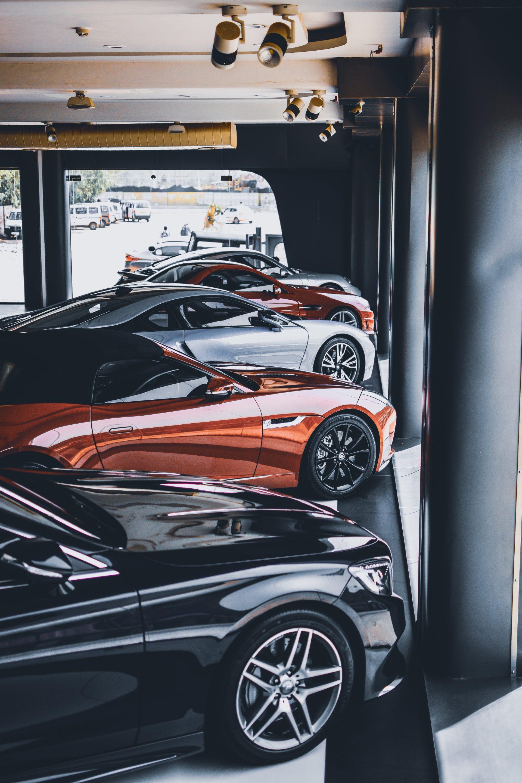 Авито Авто подготовил рейтинг популярных подержанных автомобилей в трех ценовых категориях