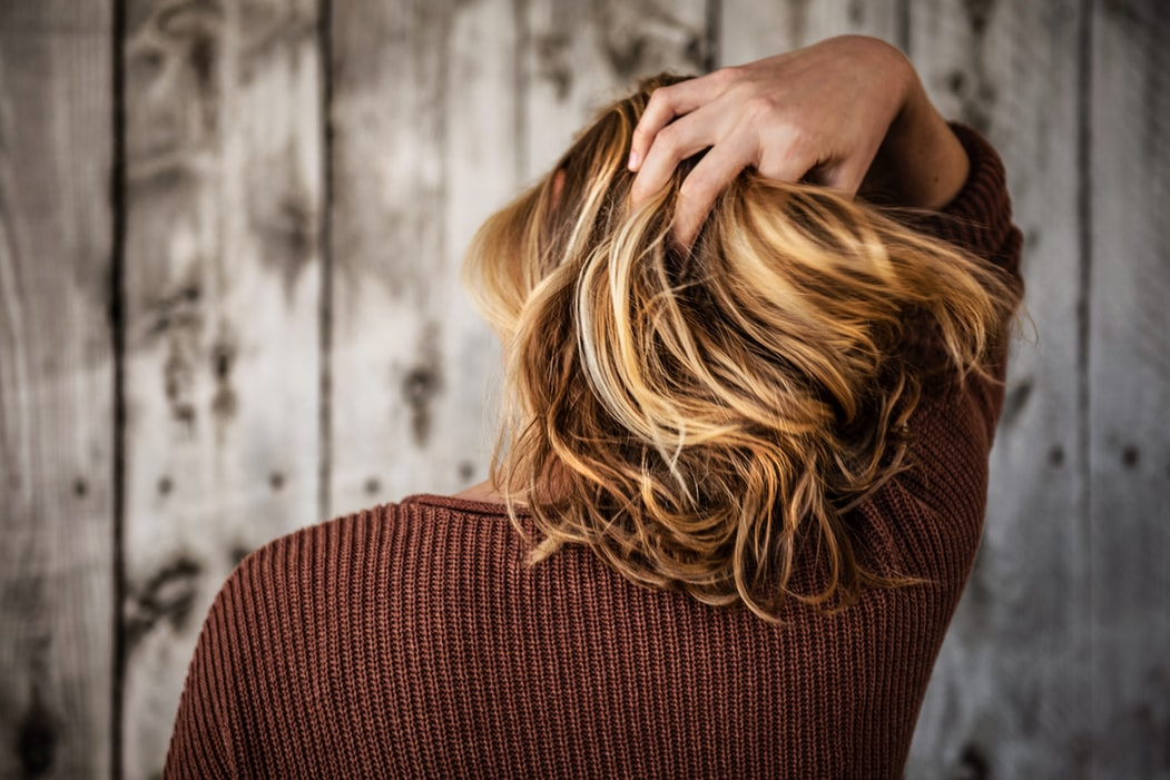 Эксперт рассказала, что из-за перенесенного COVID-19 может измениться цвет волос