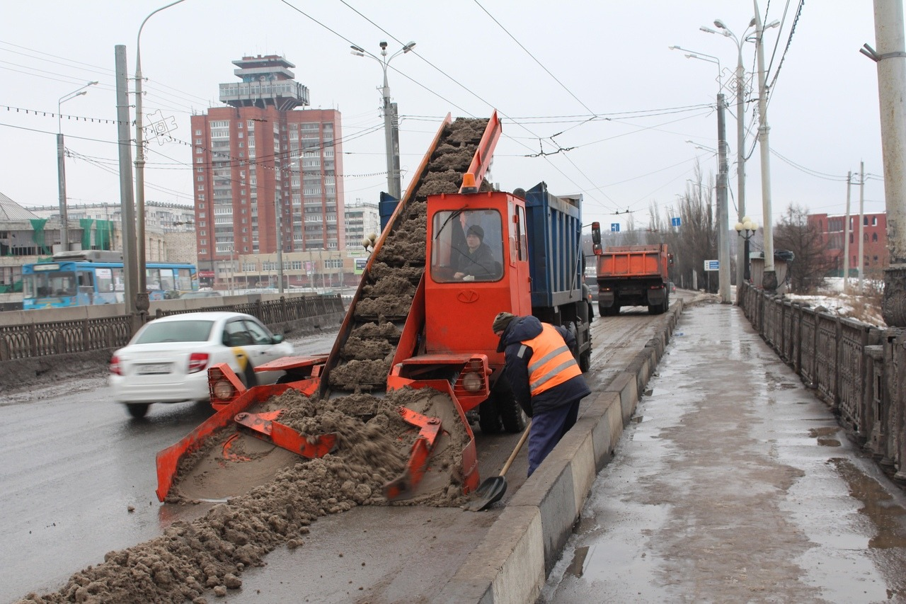 Коммунальщики вывезли из Йошкар-Олы 1096 кубометров снега за сутки