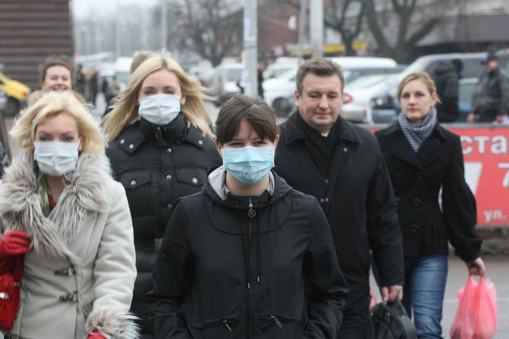 Больной COVID-19 может заразить в вентилируемом помещении до 4 человек