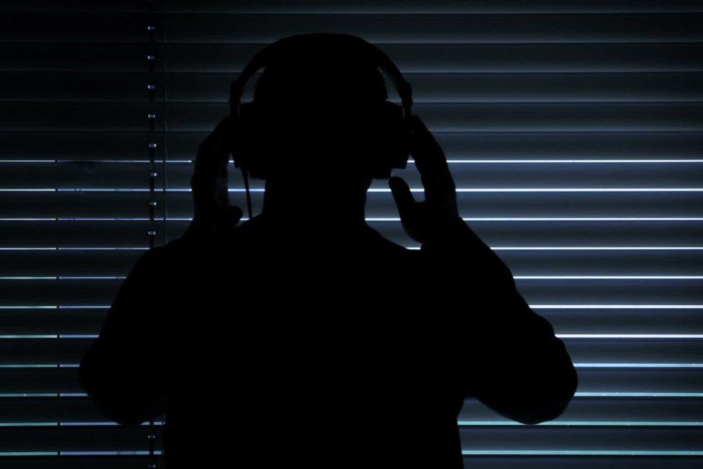 Определили смартфоны, которые лучше всех защищены от прослушки