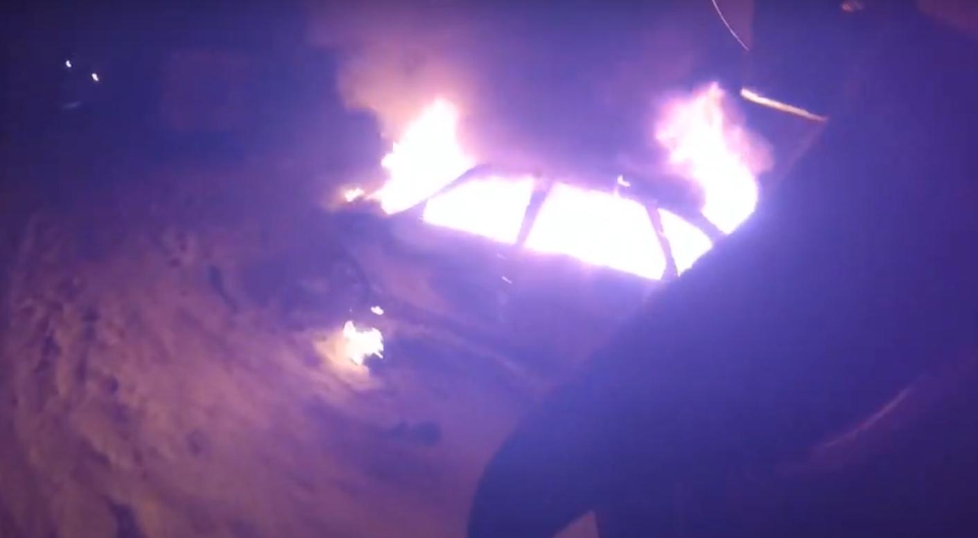 Пожарный в Йошкар-Оле записал на экшн-камеру GoPro тушение автомобиля