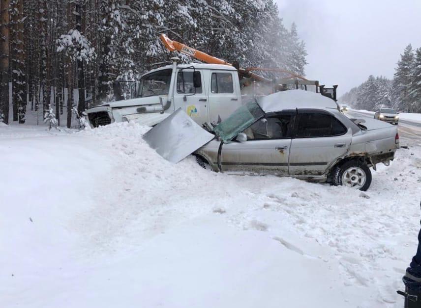 В Марий Эл в ДТП с грузовиком погибла девушка-водитель