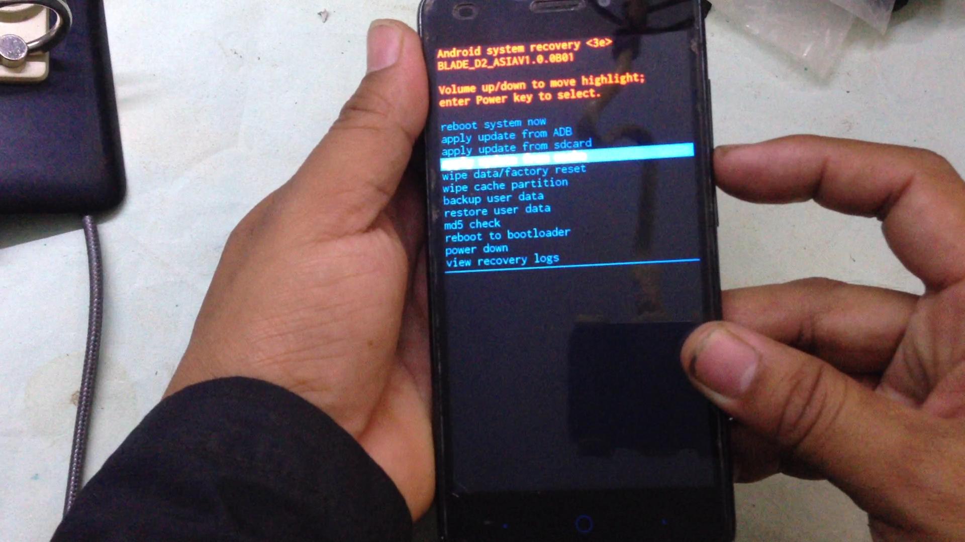 Назначение секретных кодов смартфонов объяснил IT-эксперт Косарев