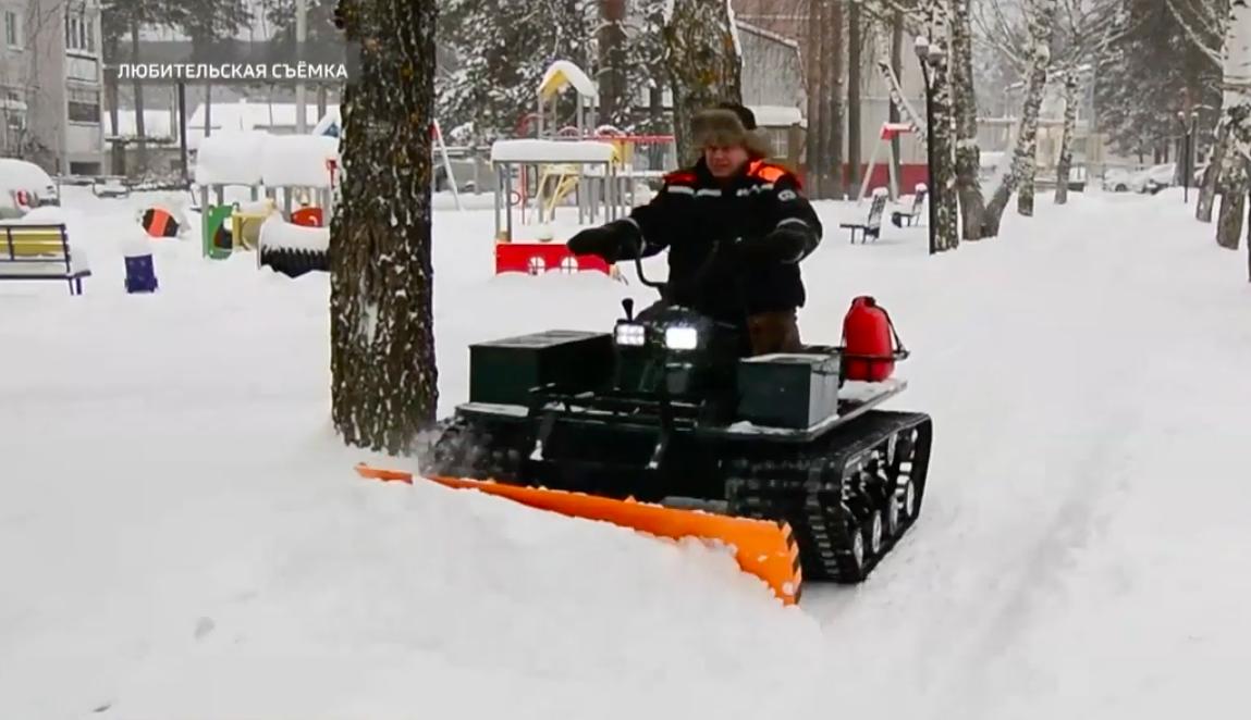 В Марий Эл местные жители чистят снег с помощью самодельной техники