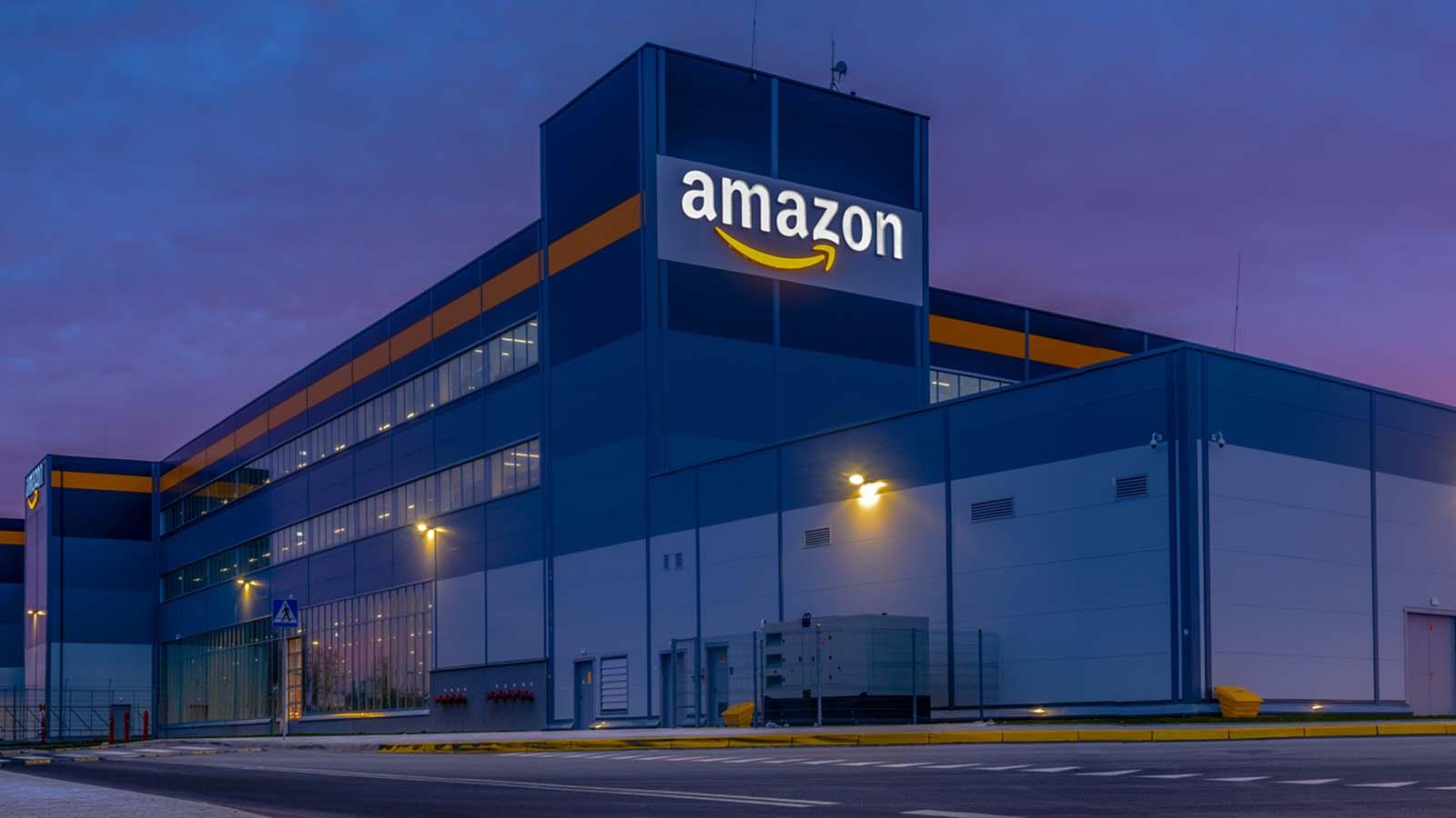Amazon может заблокировать тысячи российских сервисов