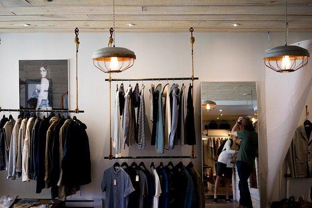 Рынок модной одежды в России сократился на четверть из-за пандемии