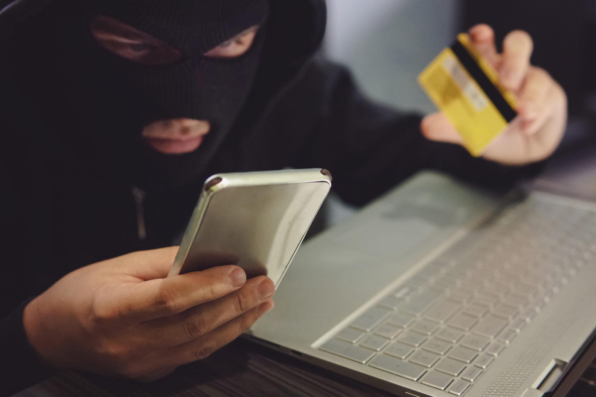 Телефонные мошенники используют при обмане историю про уголовные дела