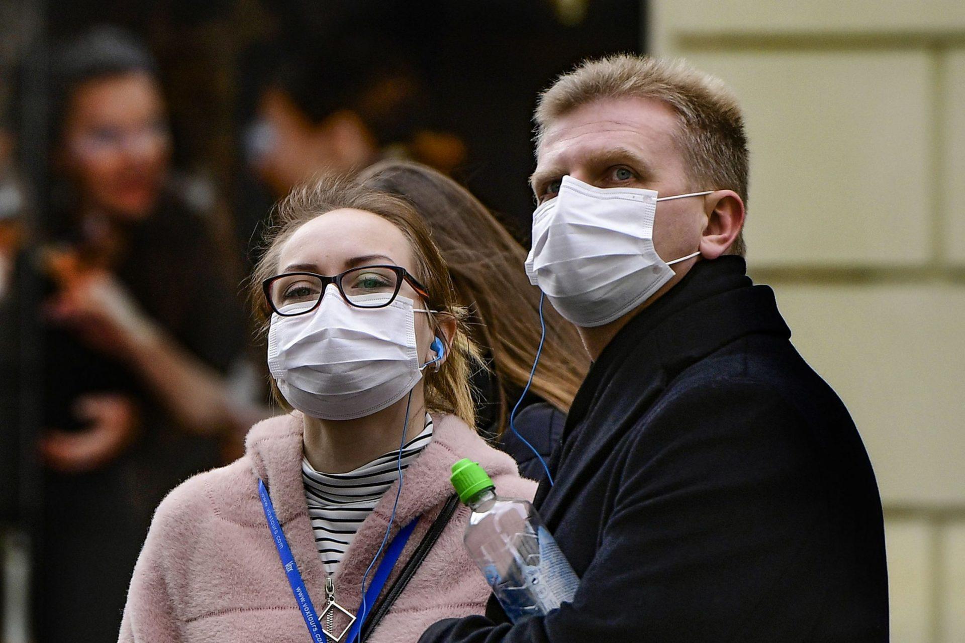 Ученые предупредили об опасности разговоров при коронавирусе COVID-19