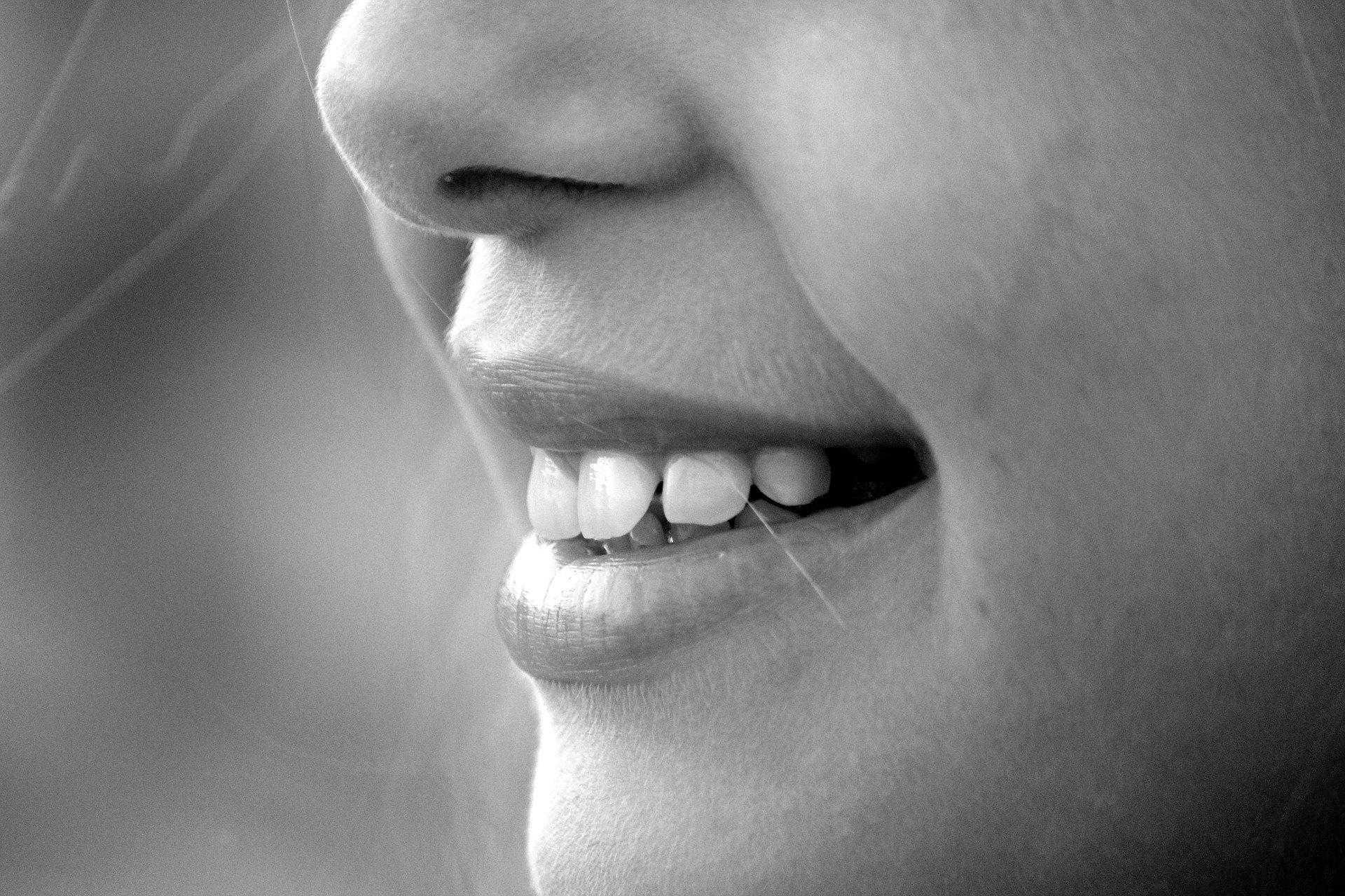 Медик назвал способы вернуть вкус и обоняние после COVID-19