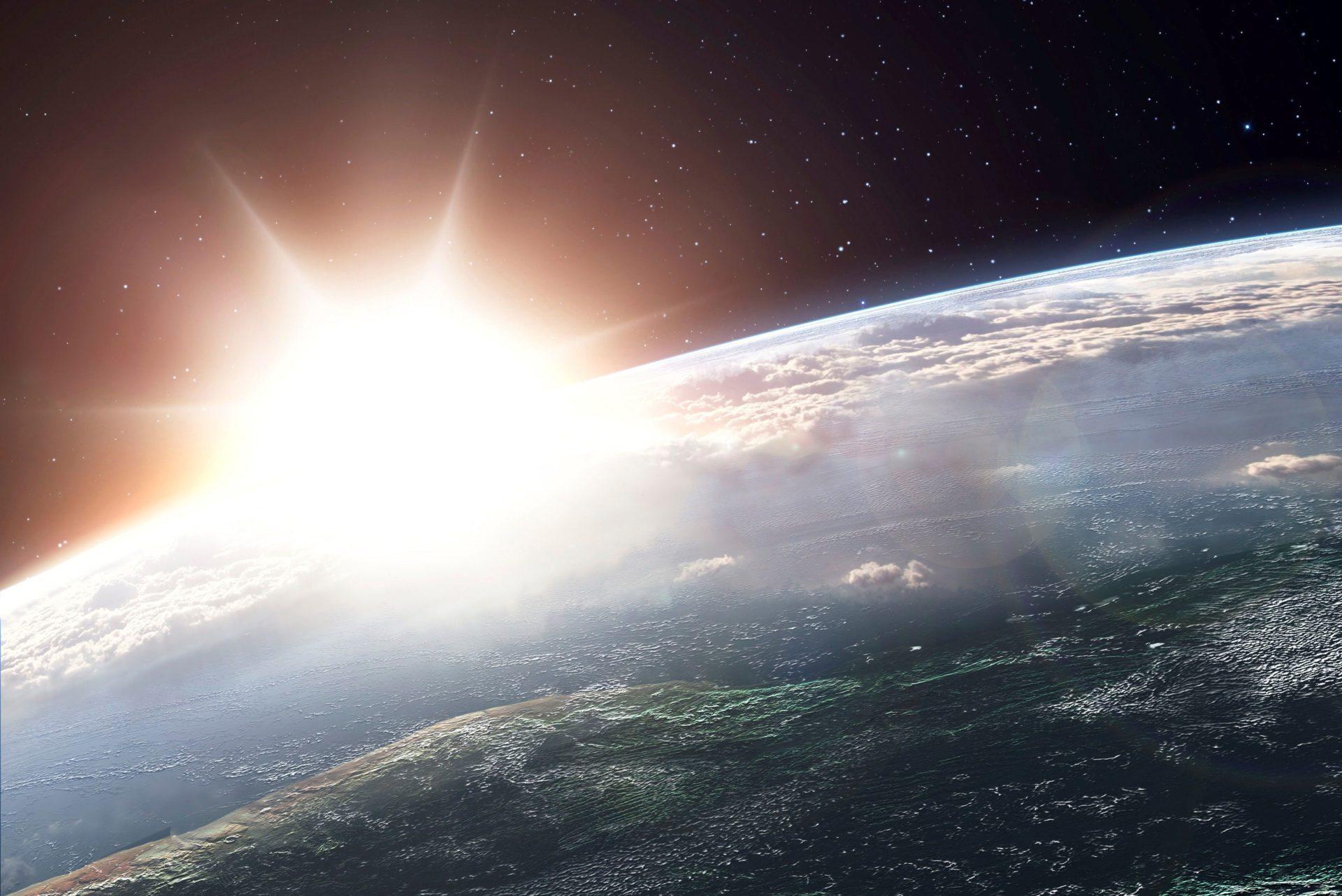 Взрыв и падение метеорита над Камчаткой попали на видео