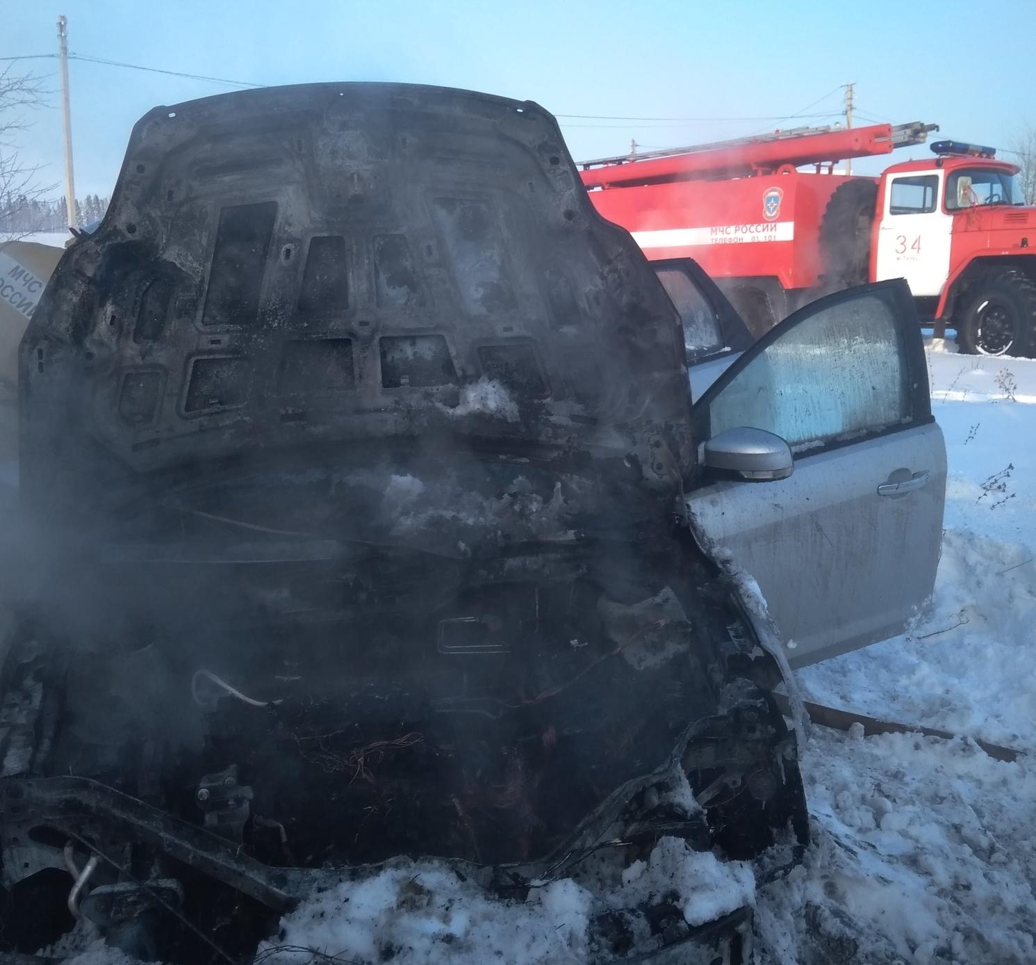 Пытаясь завести автомобиль в мороз, житель Марий Эл поджег его