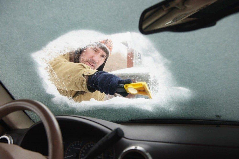 Автоэксперты назвали пять главных ошибок водителей зимой