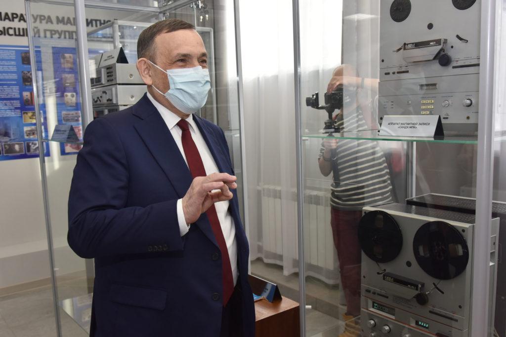 Глава Марий Эл посетил Волжский электромеханический завод