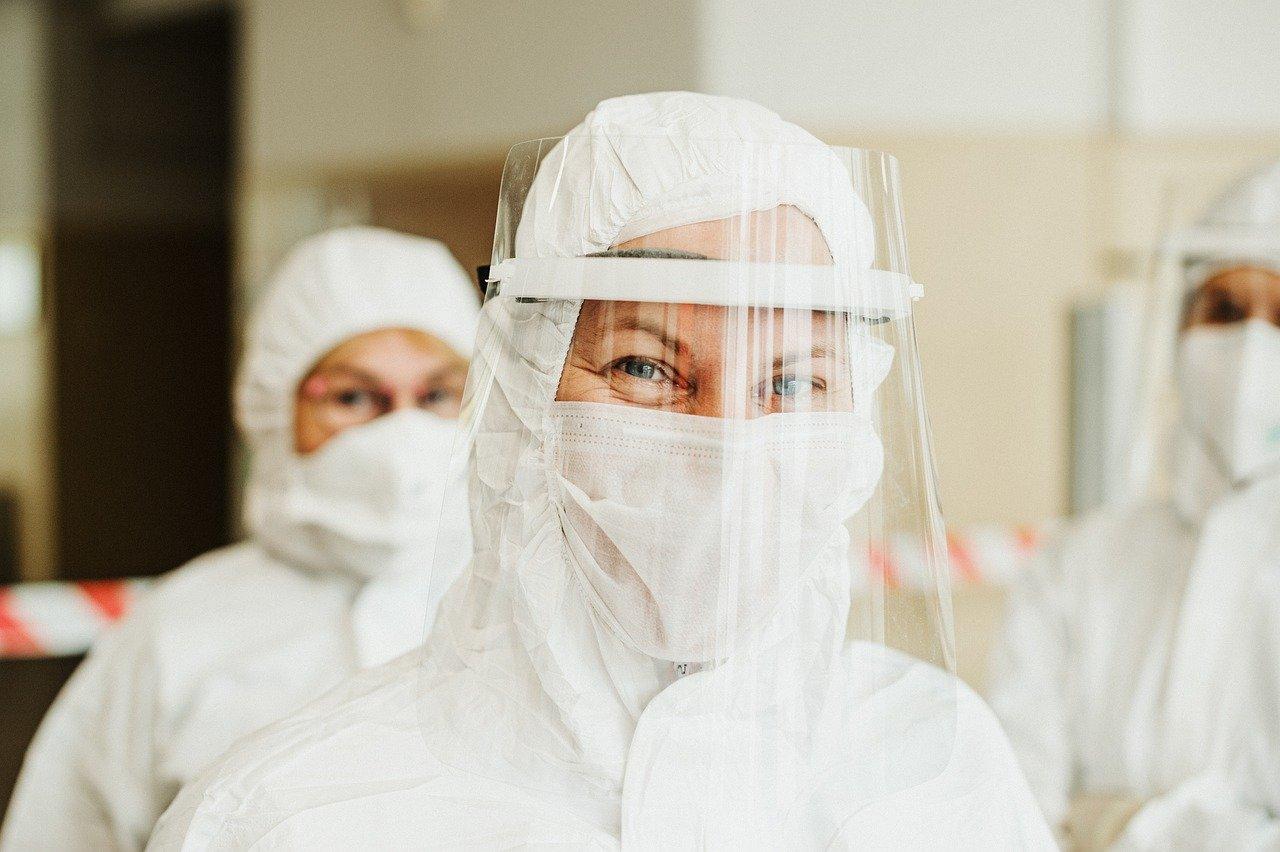 В Финляндии предупредили об осложнениях при инфицировании коронавирусом и гриппом