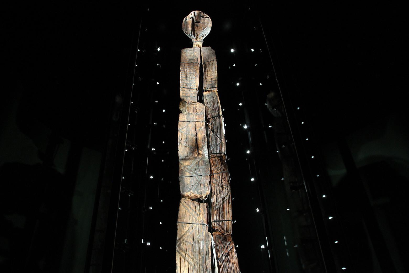 Деревянный идол железного века возрастом более 1600 лет нашли в ирландском болоте