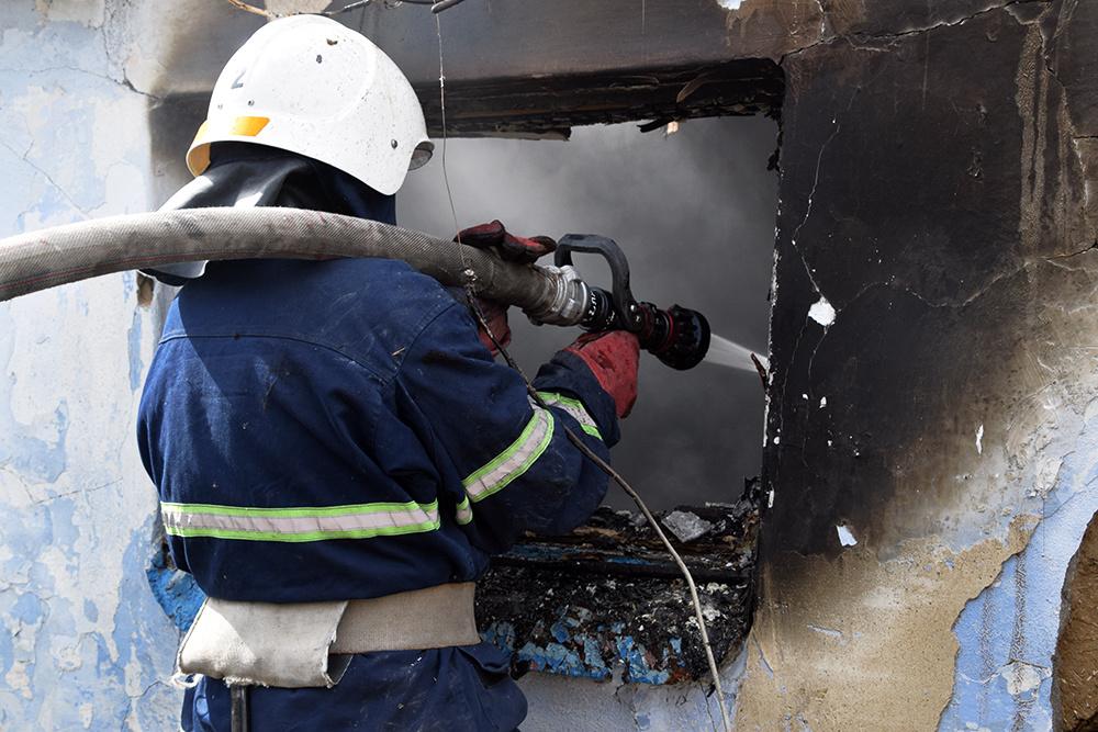 В Марий Эл за сутки горели автомобиль и фасад дома