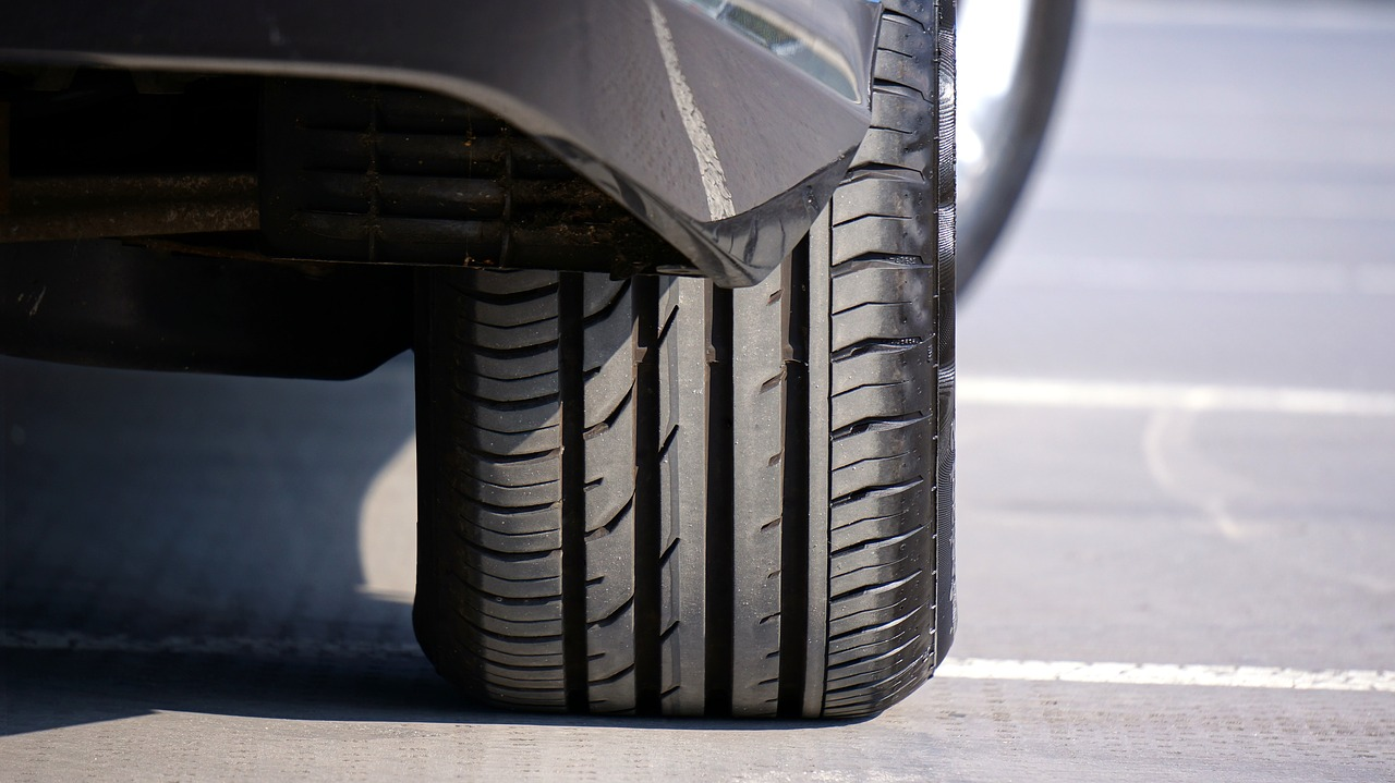 Эксперты объяснили водителям в России способы продления срока службы шин