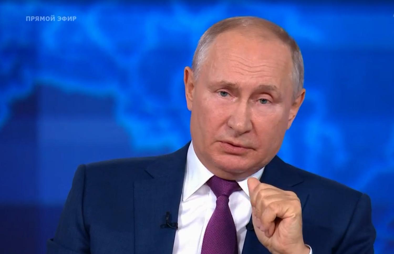 Путин сообщил об адаптации экономики РФ к санкциям