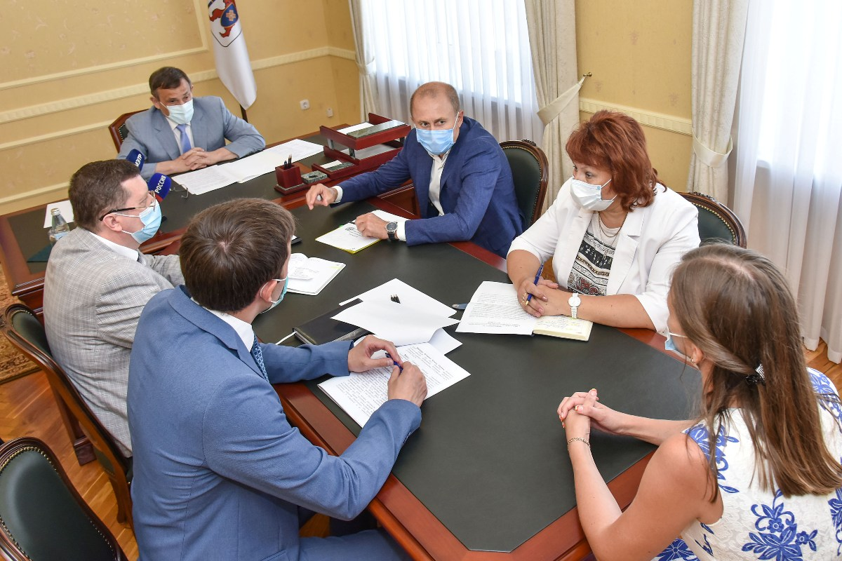 Глава Марий Эл Александр Евстифеев провел прием граждан