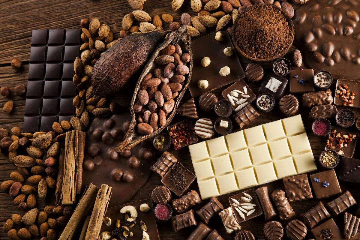 Молочный шоколад по утрам помогает сжигать жир женщинам в постменопаузе