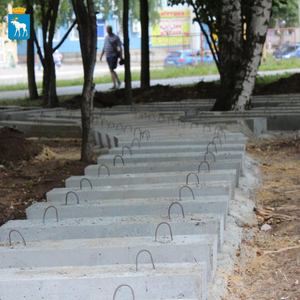 В Йошкар-Оле благоустраивают общественное пространство на улице Йывана Кырли