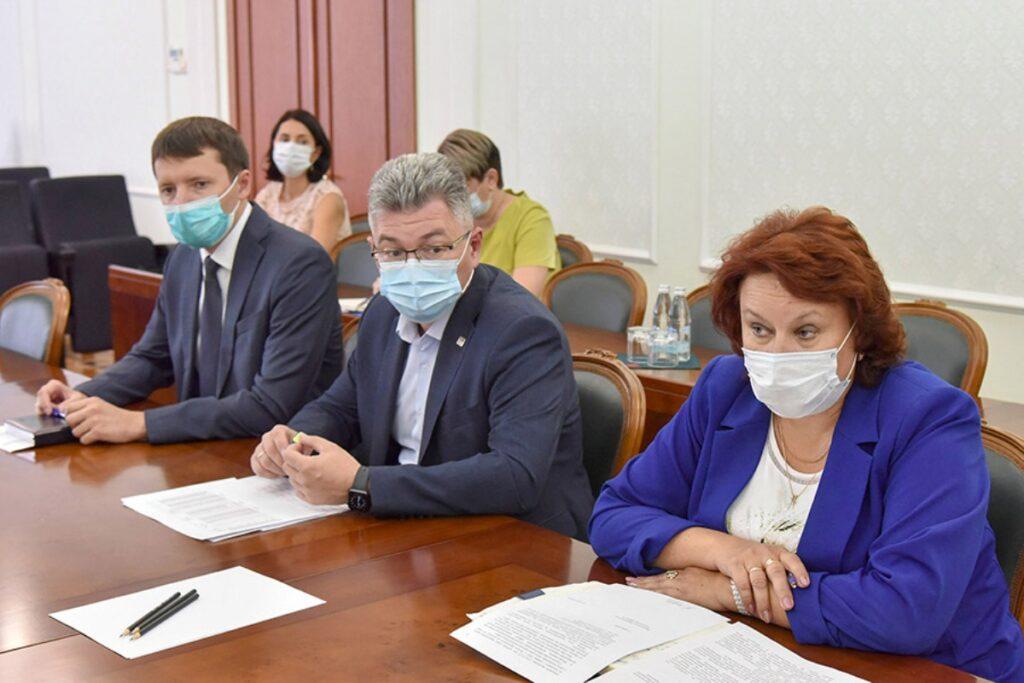 В поселке Медведево досрочно завершили строительство школы