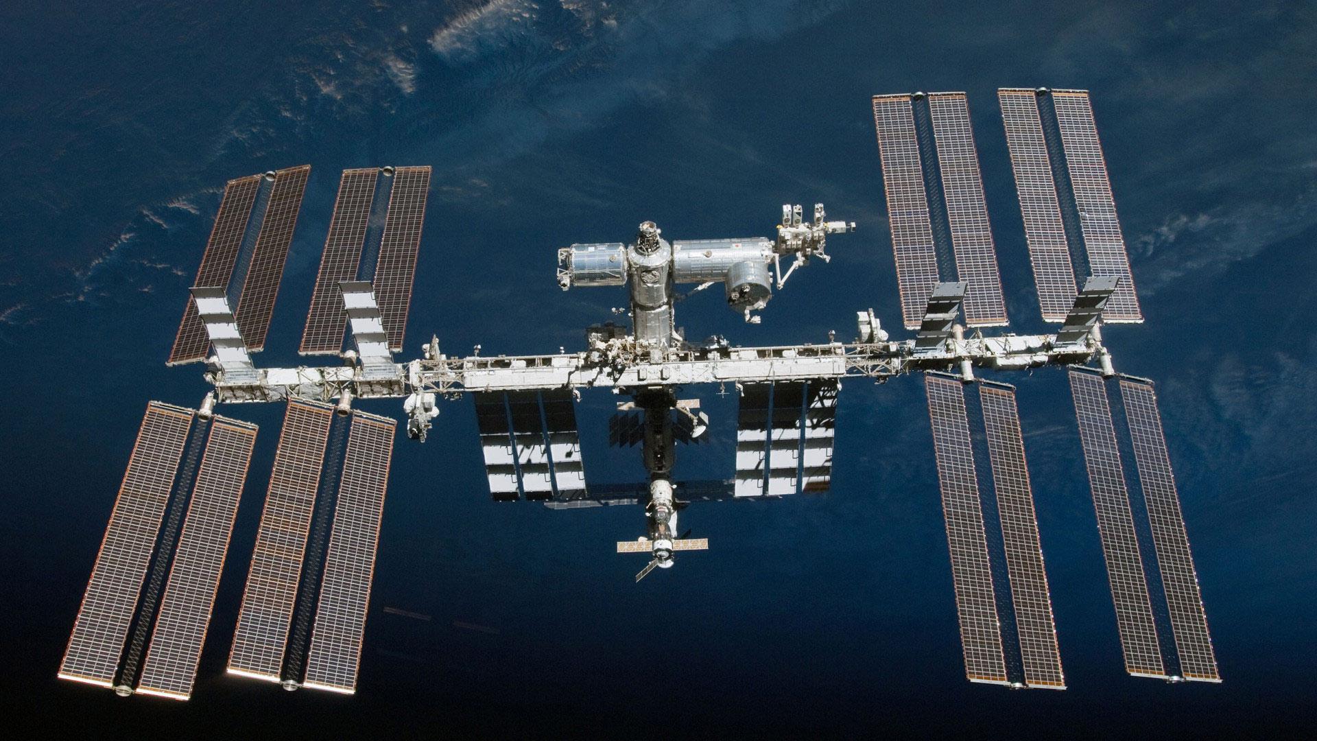 С МКС сфотографировали вспышку на Земле, похожую на  взрыв кобальтовой бомбы
