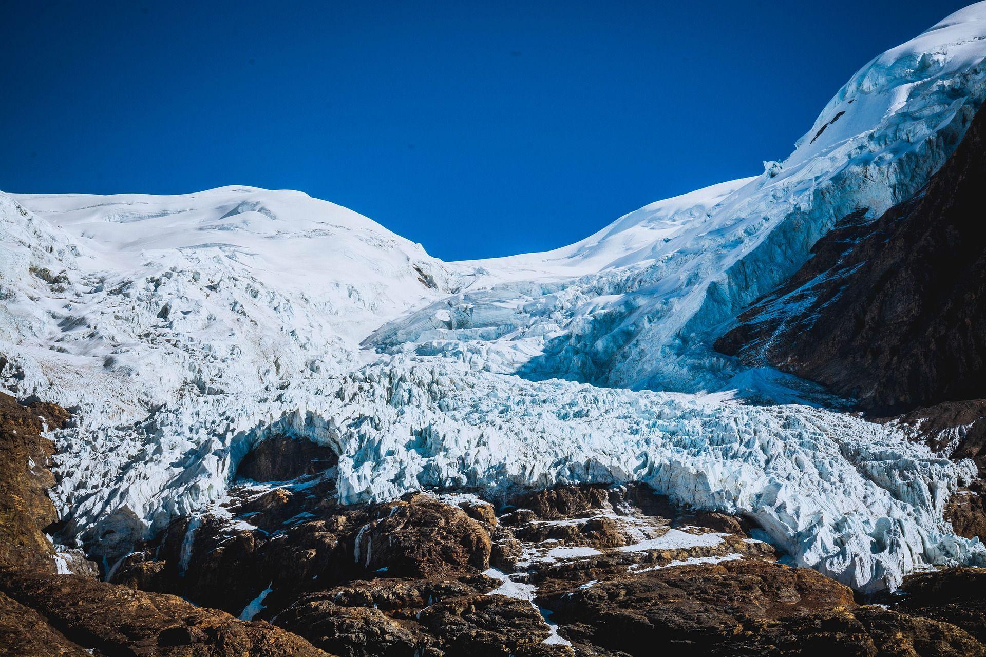 В леднике Тибета выявлено 33 вируса возрастом 15 000 лет