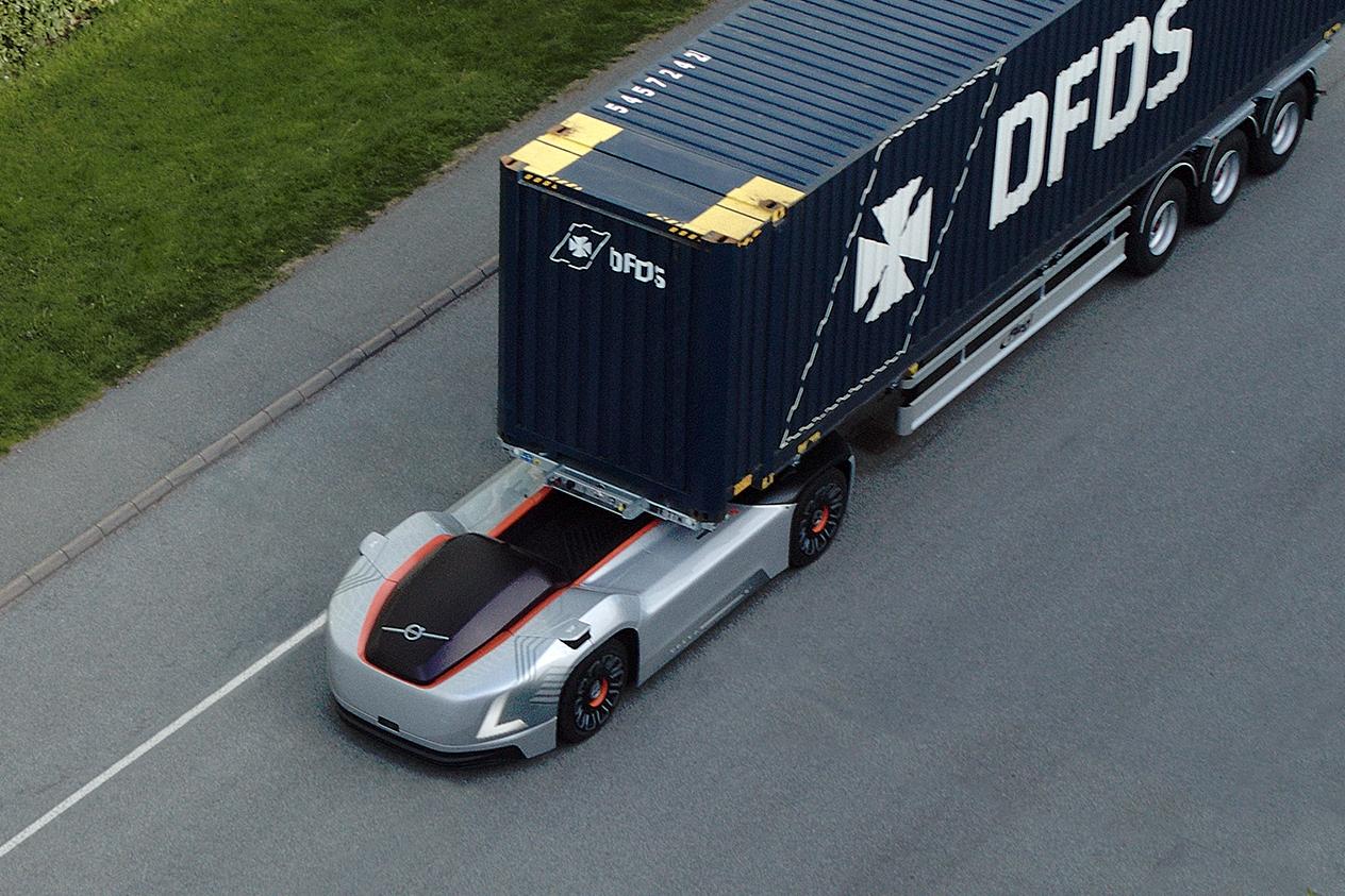 В России водителей хотят обязать уступать дорогу беспилотным грузовикам