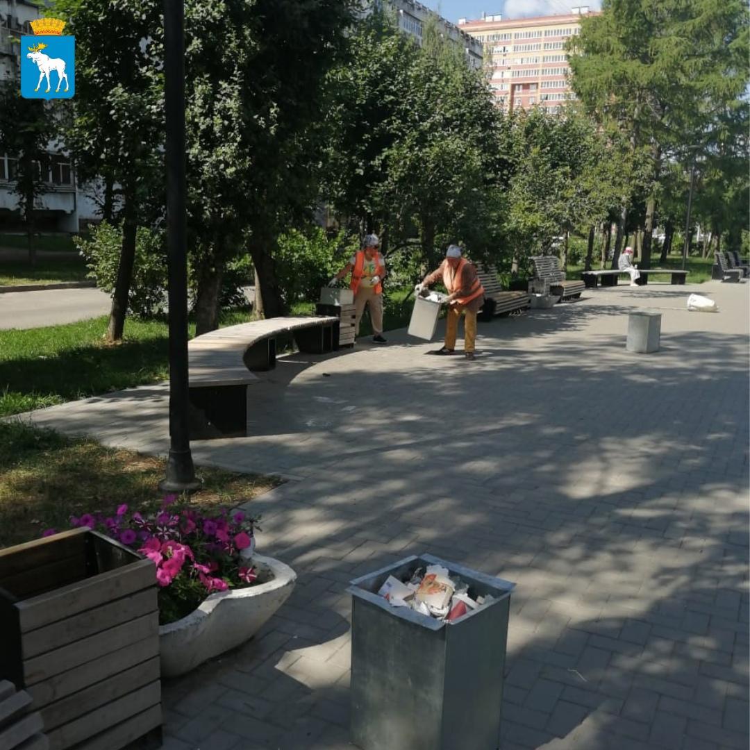 Более 1 тонны мусора вывозится ежедневно с улиц Йошкар-Олы