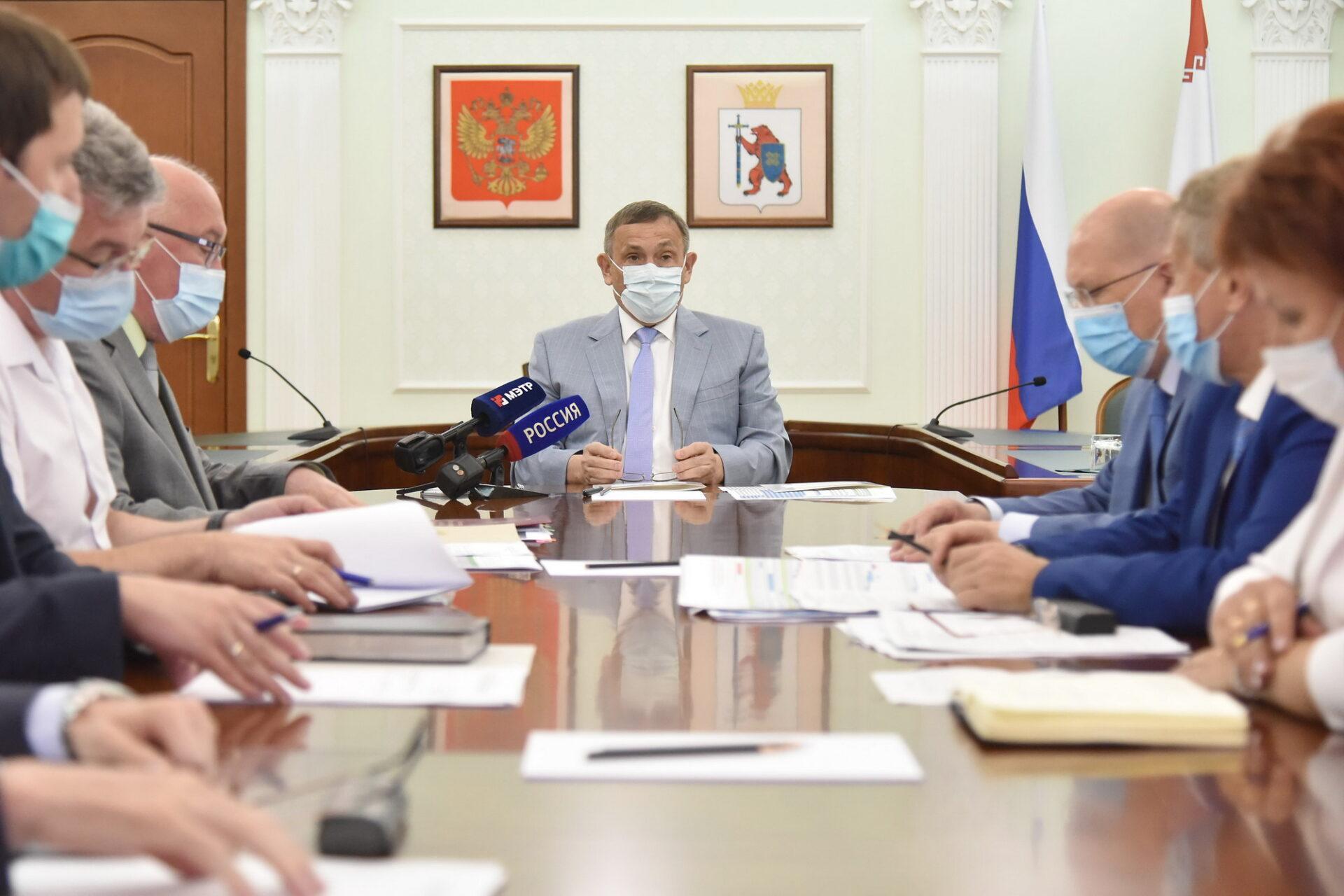 По итогам рабочей поездки в Волжск Глава Марий Эл сегодня провел ряд совещаний
