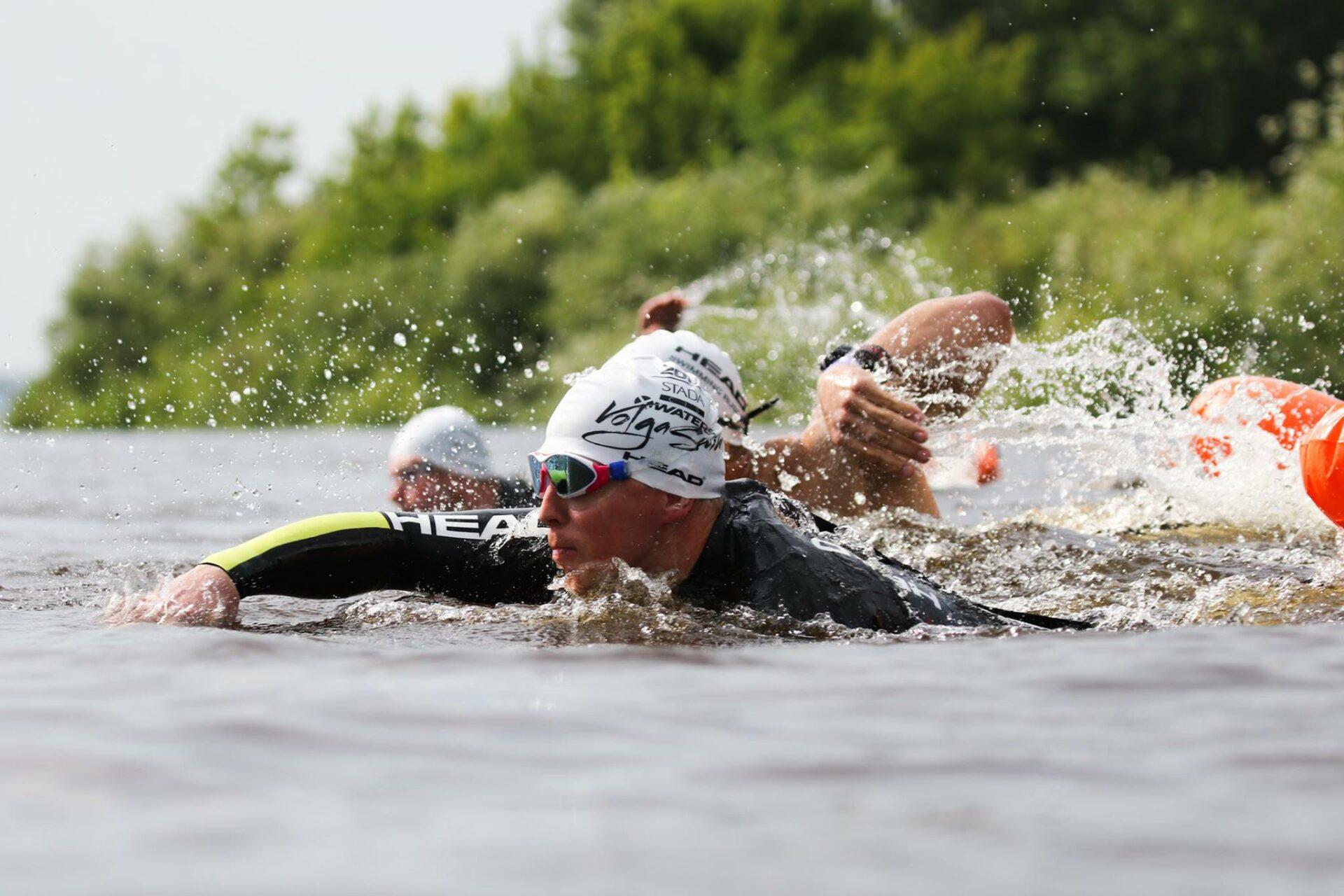 Спортсмен из Марий Эл переплыл Волгу за 37 мин.
