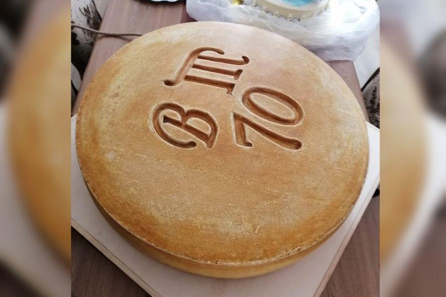 В Марий Эл изготовлен самый большой в России твердый сыр