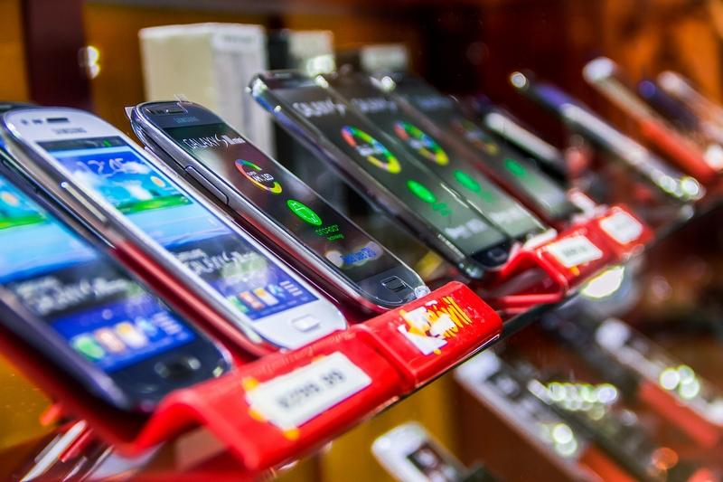 Жителей РФ предупредили о значительном подорожании смартфонов