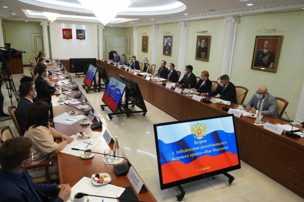 «Важно развивать систему социальных лифтов», – сказал Игорь Комаров в ходе рабочей поездки в Мордовию